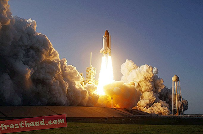 Discovery Space Shuttle Berangkat ke Smithsonian