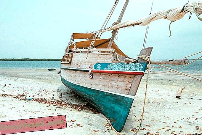 Kenapa Festival Folklore Smithsonian adalah Anchoring Kapal Sailing Kenyan 30-Kaki di Mall